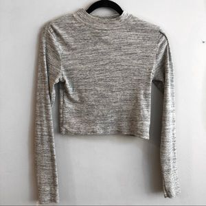 🥂 4/25 Sale H&M Long Sleeved Ribbed Crop Top